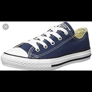 Converse All Star ⭐️ youth sneakers 👟 size 2